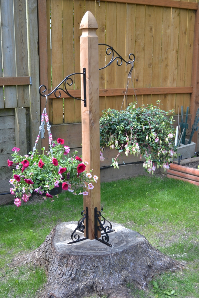 tree stump hanging basket decoration